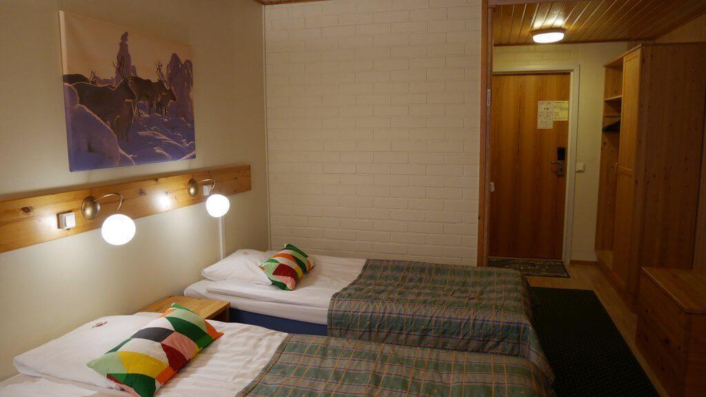 Standard twin room (1)