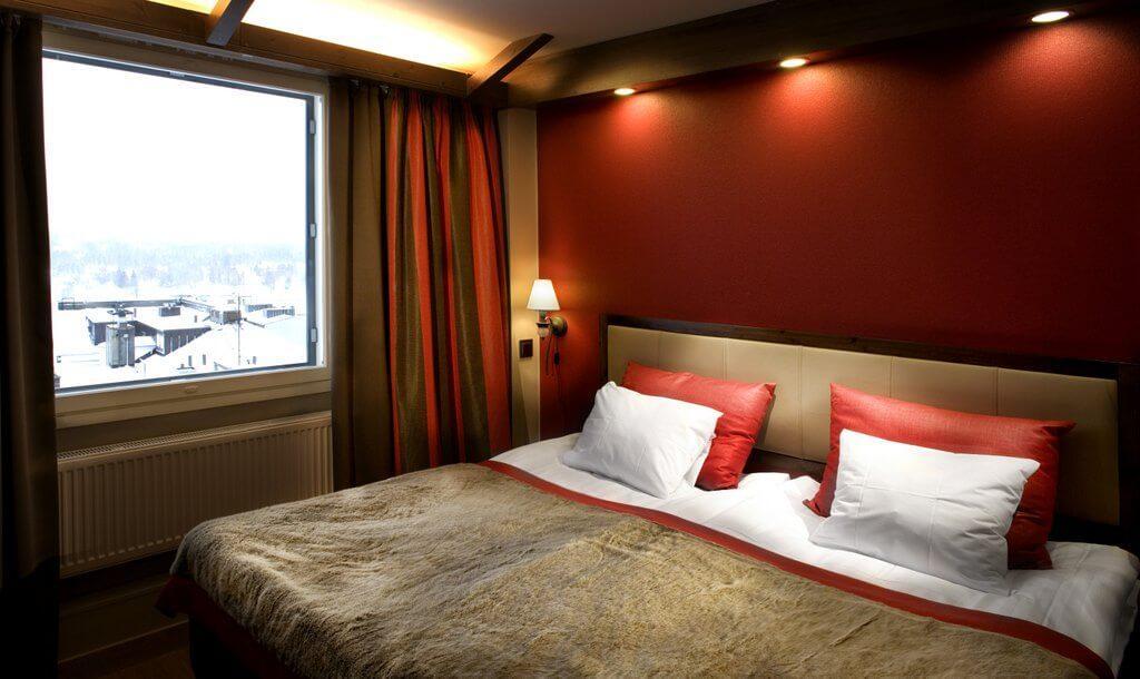 hs_room_AuroraBorealisSuiteBedroom_3000x1787 (1)