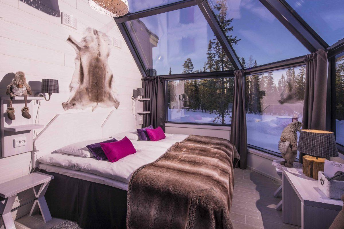 luxury-glass-igloo-luosto-lapland-finland