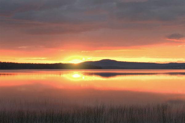 Auringonlasku Luostolla