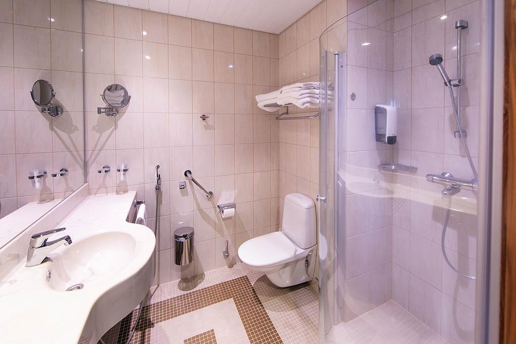 Spa Hotel Sani Bathroom